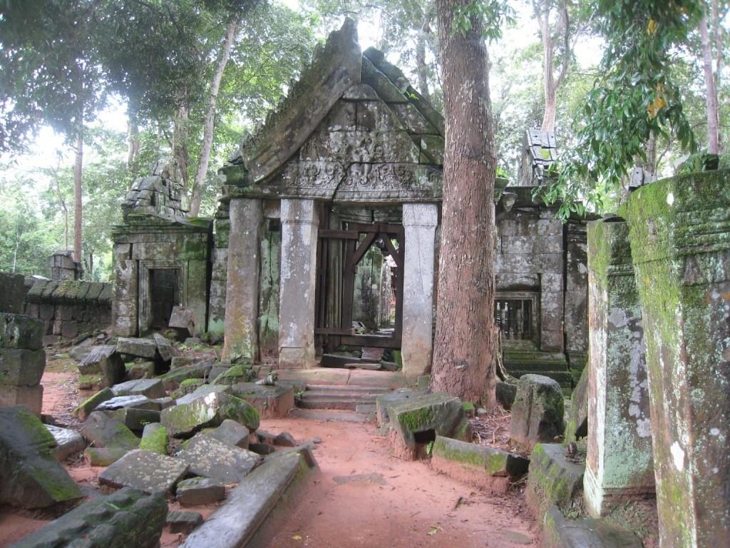 Temple_Koh-Ker_Angkor_Siem-Reap