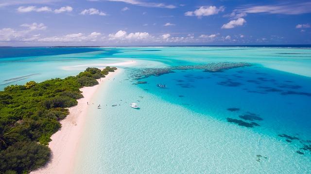 Voyager aux Maldives : le paradis des activités nautiques